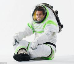 nasa-buzz-lightyear-space-suit