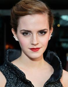 un-make-up-hollywoodien-pour-emma-watson