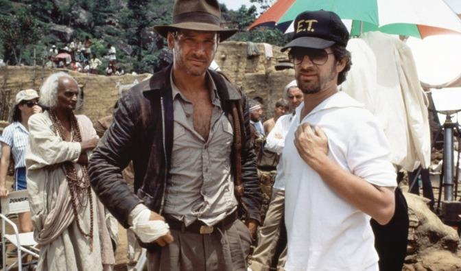 Harrison Ford et Steven Spielberg sur le tournage du temple maudit ...