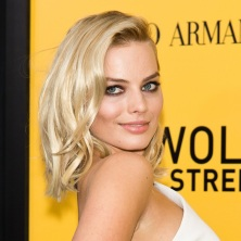 margot-robbie-wolf-wall-street-premiere-ny-neighbours-238018760