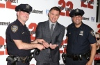 22 jump street : Channing Tatum et Jonah Hill se font menottés …